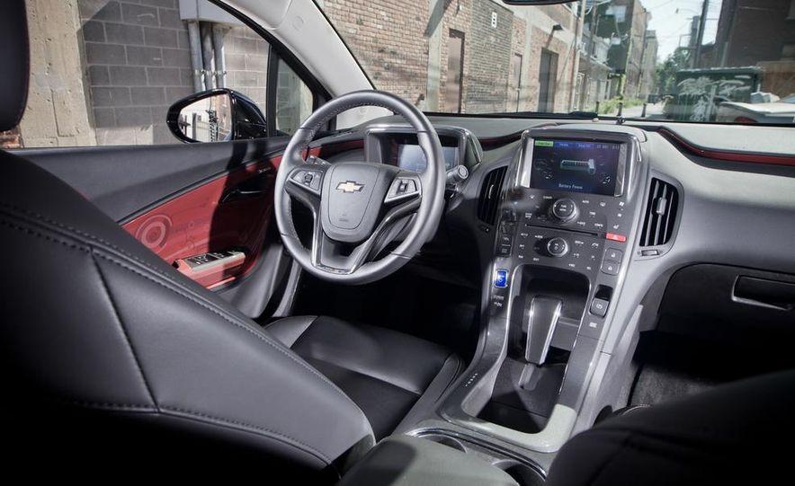 2014 Toyota Prius, 2014 Mercedes-Benz CLA250, 2012 Tesla Model S P85, 2012 Nissan Leaf SL, and 2014 Chevrolet Volt - Slide 46