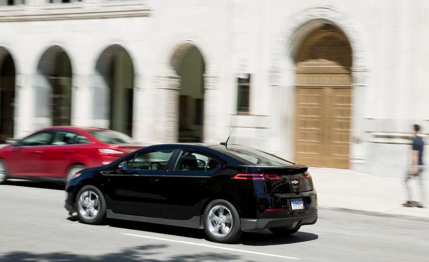 2014 Toyota Prius, 2014 Mercedes-Benz CLA250, 2012 Tesla Model S P85, 2012 Nissan Leaf SL, and 2014 Chevrolet Volt - Slide 44