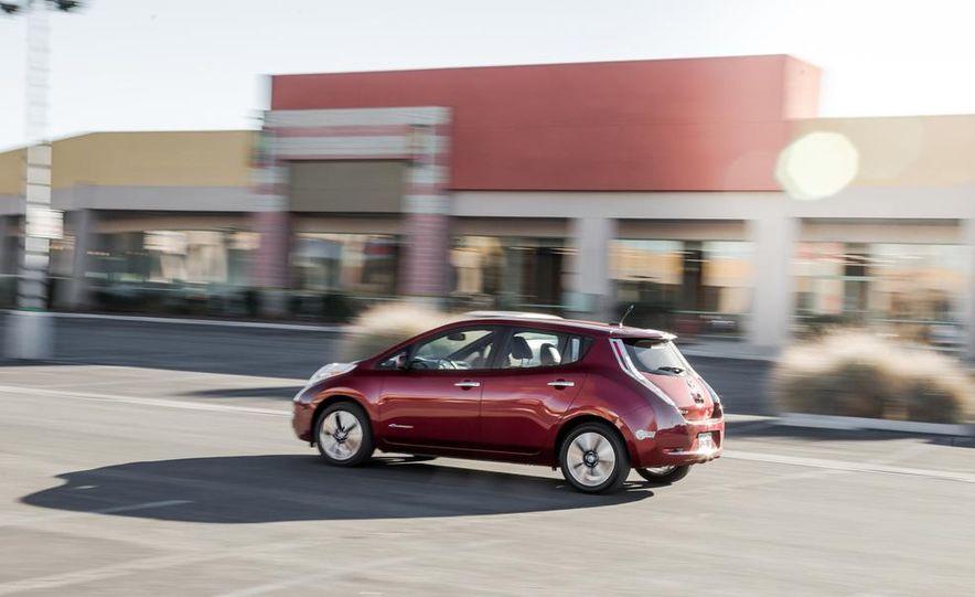 2014 Toyota Prius, 2014 Mercedes-Benz CLA250, 2012 Tesla Model S P85, 2012 Nissan Leaf SL, and 2014 Chevrolet Volt - Slide 23