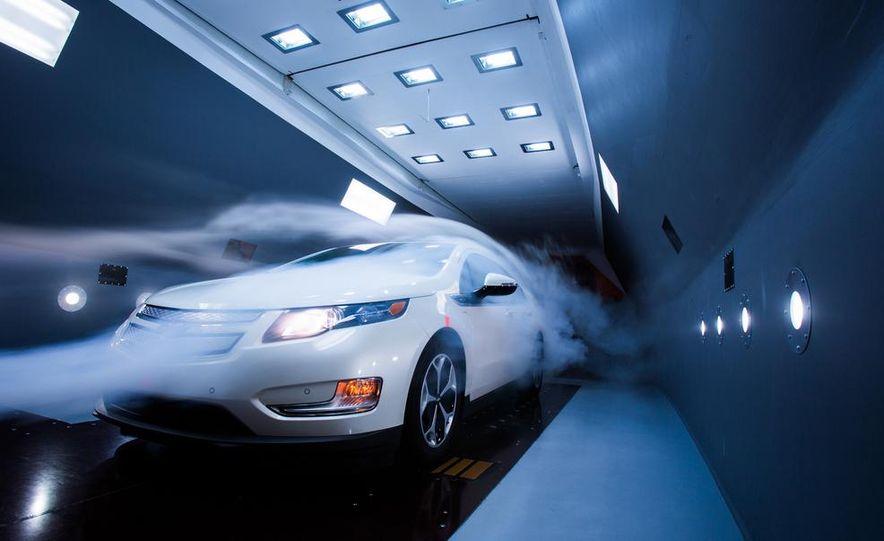 2014 Toyota Prius, 2014 Mercedes-Benz CLA250, 2012 Tesla Model S P85, 2012 Nissan Leaf SL, and 2014 Chevrolet Volt - Slide 15