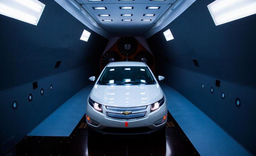 2014 Toyota Prius, 2014 Mercedes-Benz CLA250, 2012 Tesla Model S P85, 2012 Nissan Leaf SL, and 2014 Chevrolet Volt - Slide 16