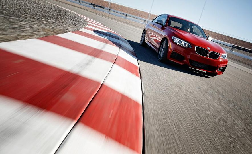 2015 BMW M235i cabriolet (spy photo) - Slide 9