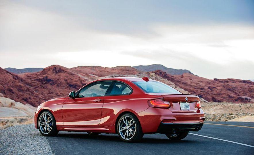 2015 BMW M235i cabriolet (spy photo) - Slide 40