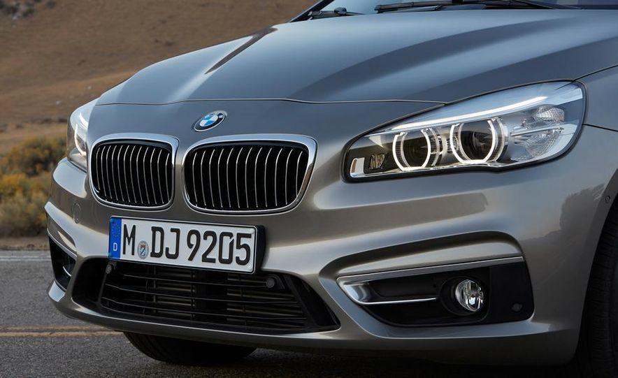 2016 BMW 2-series Active Tourer 7-seater (artist's rendering) - Slide 26