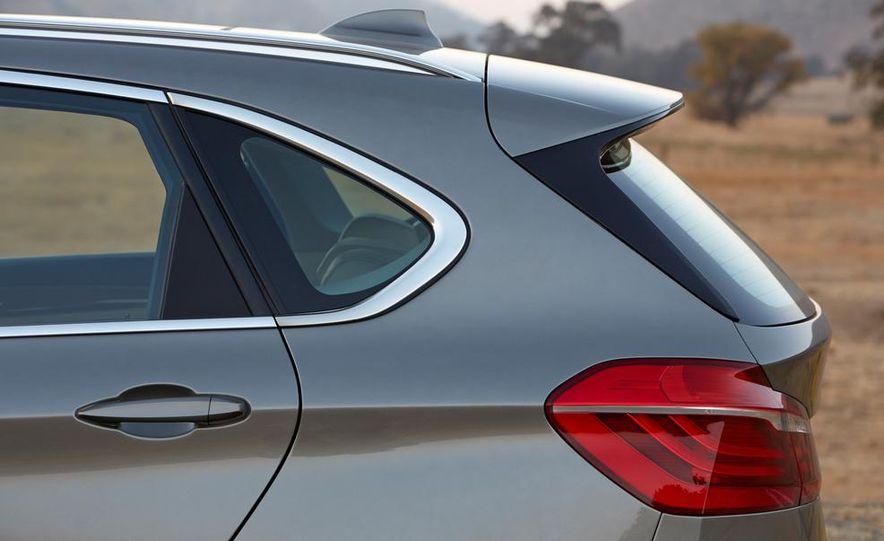 2016 BMW 2-series Active Tourer 7-seater (artist's rendering) - Slide 29