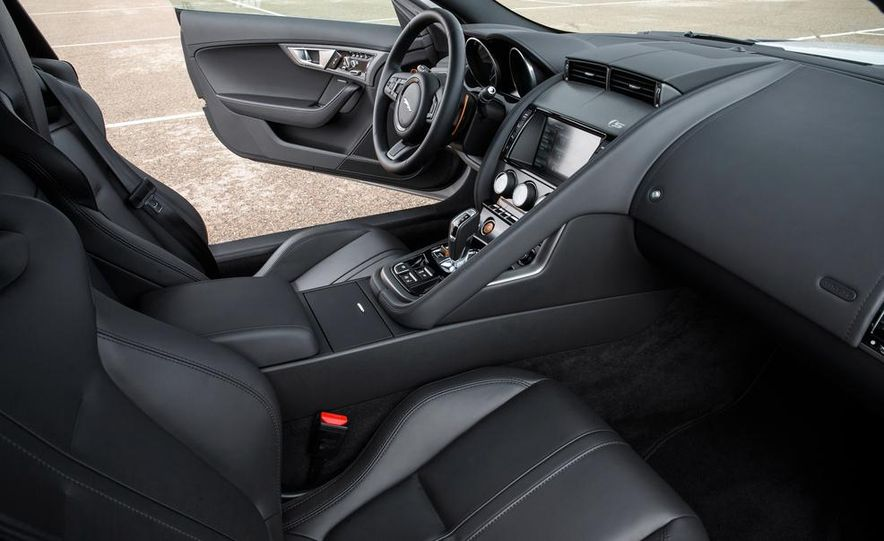 2015 Jaguar F-type V-6 S coupe (Euro-spec) - Slide 58