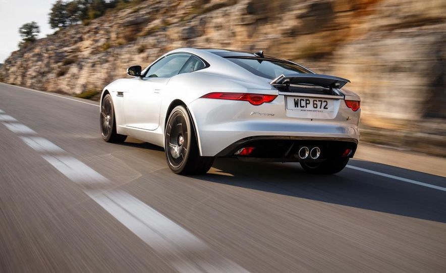 2015 Jaguar F-type V-6 S coupe (Euro-spec) - Slide 35