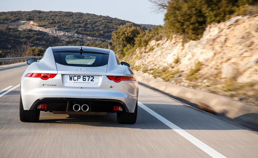 2015 Jaguar F-type V-6 S coupe (Euro-spec) - Slide 36