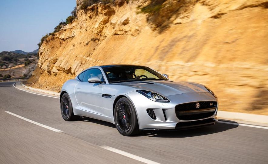 2015 Jaguar F-type V-6 S coupe (Euro-spec) - Slide 39