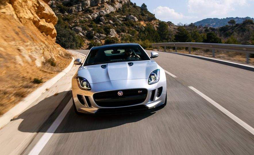 2015 Jaguar F-type V-6 S coupe (Euro-spec) - Slide 40