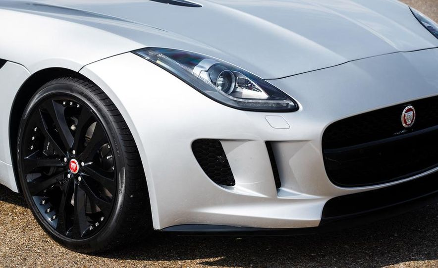 2015 Jaguar F-type V-6 S coupe (Euro-spec) - Slide 49