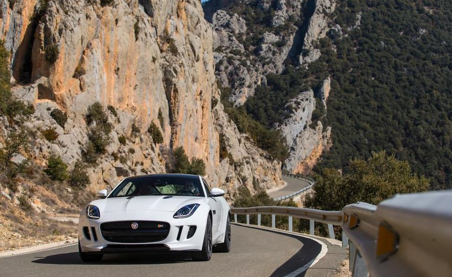 2015 Jaguar F-type V-6 S coupe (Euro-spec) - Slide 3