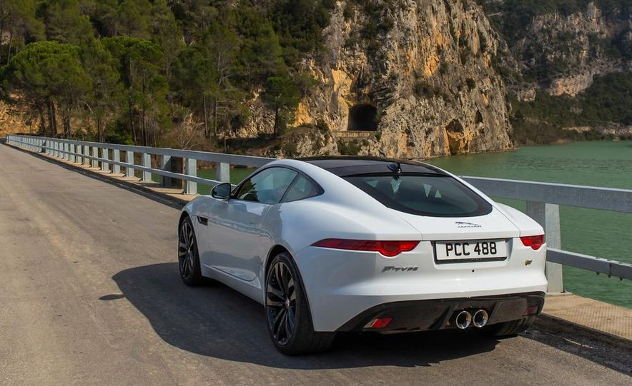 2015 Jaguar F-type V-6 S coupe (Euro-spec) - Slide 11