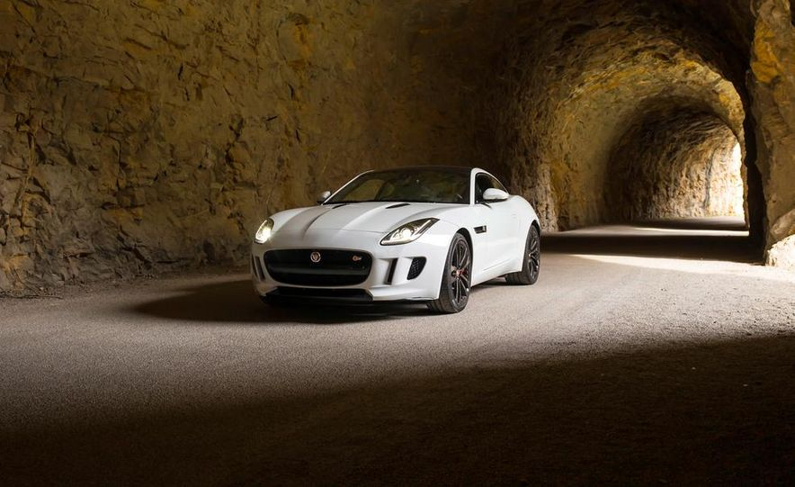 2015 Jaguar F-type V-6 S coupe (Euro-spec) - Slide 12