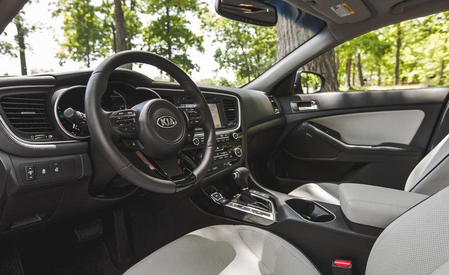 2014 Kia Optima EX hybrid - Slide 32