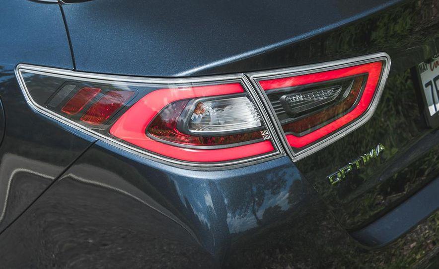 2014 Kia Optima EX hybrid - Slide 24
