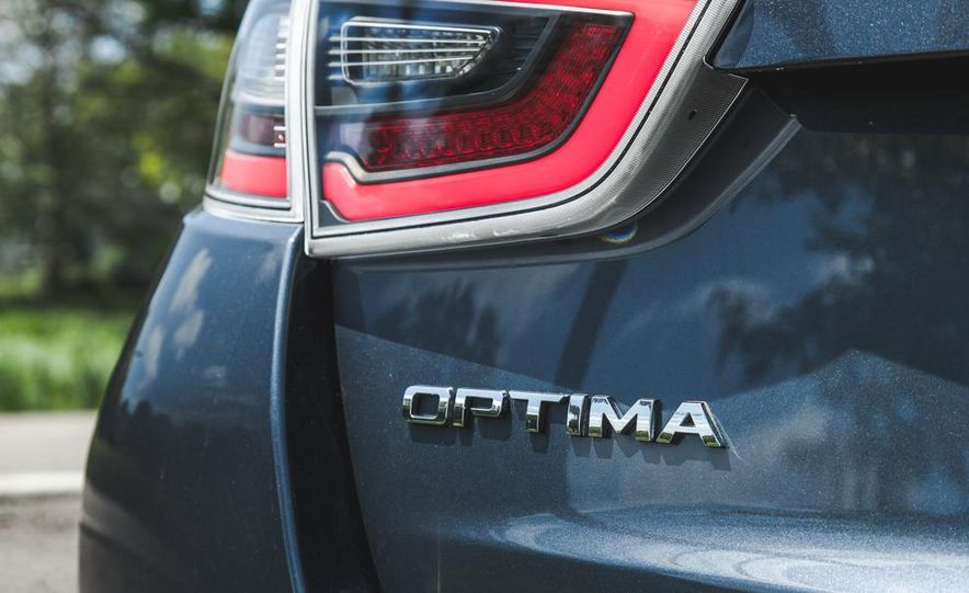 2014 Kia Optima EX hybrid - Slide 25