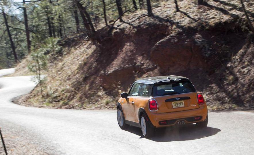2014 Ford Fiesta ST, 2014 Mini Cooper S Hardtop, and 2014 Fiat 500 Abarth - Slide 35
