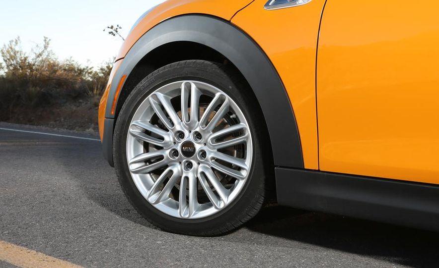 2014 Ford Fiesta ST, 2014 Mini Cooper S Hardtop, and 2014 Fiat 500 Abarth - Slide 38