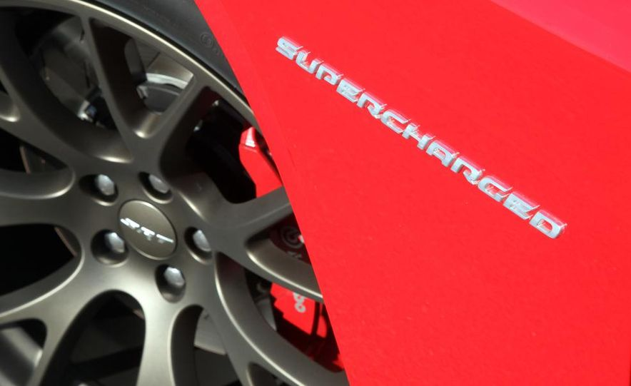 2015 Dodge Challenger SRT Hellcat and Challenger SRT - Slide 14