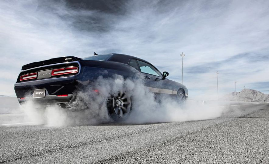2015 Dodge Challenger SRT Hellcat and Challenger SRT - Slide 30