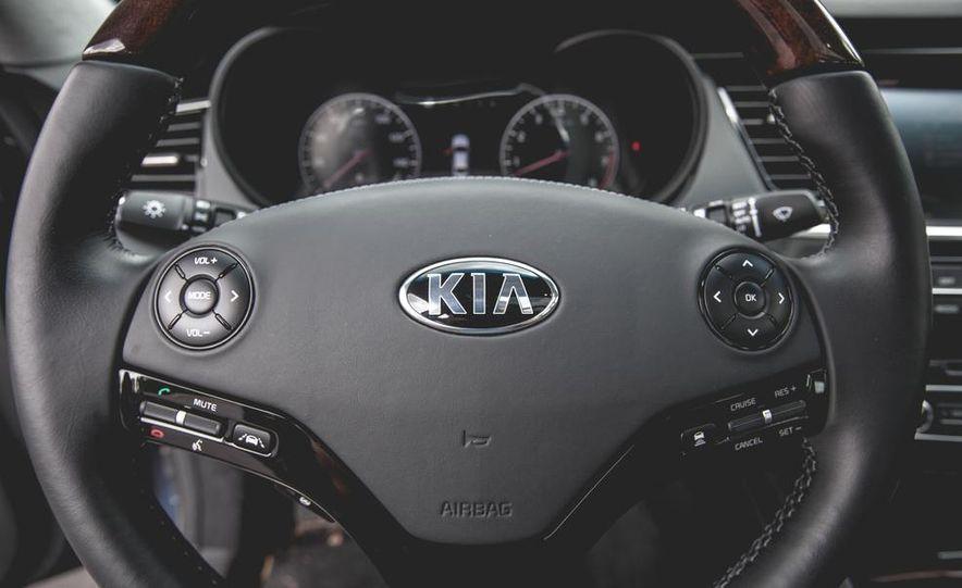 2015 Kia K900 - Slide 54