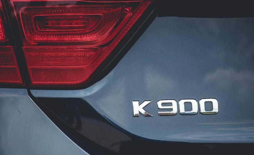 2015 Kia K900 - Slide 30