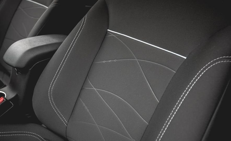2014 Ford Fiesta 1.0L EcoBoost SFE sedan - Slide 30