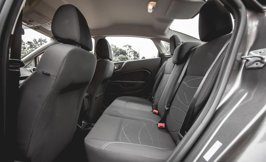 2014 Ford Fiesta 1.0L EcoBoost SFE sedan - Slide 33