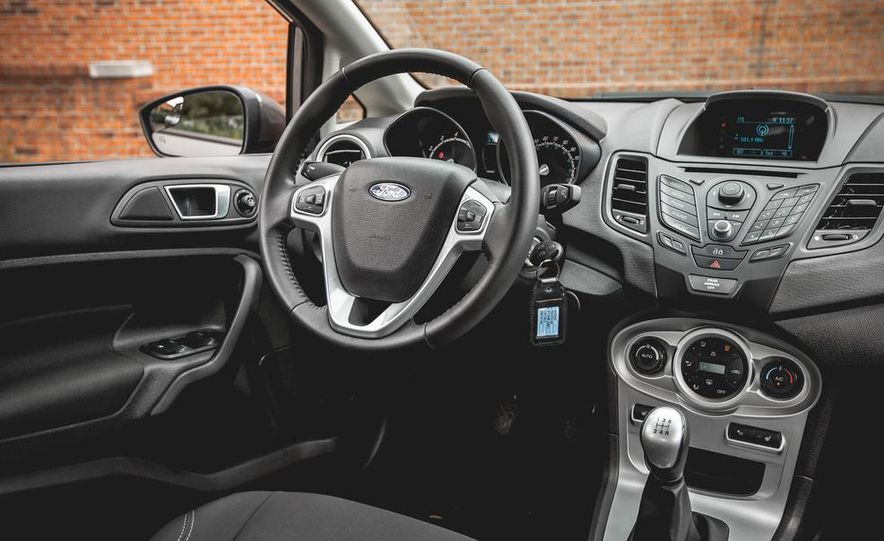 2014 Ford Fiesta 1.0L EcoBoost SFE sedan - Slide 34