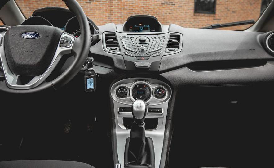 2014 Ford Fiesta 1.0L EcoBoost SFE sedan - Slide 35