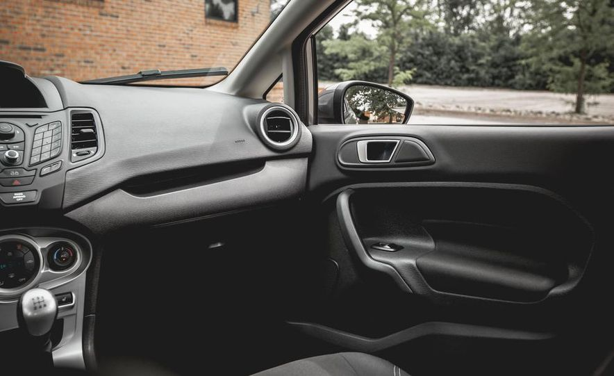 2014 Ford Fiesta 1.0L EcoBoost SFE sedan - Slide 36