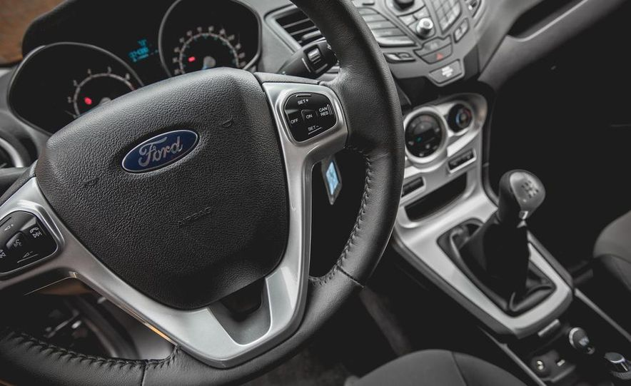 2014 Ford Fiesta 1.0L EcoBoost SFE sedan - Slide 37