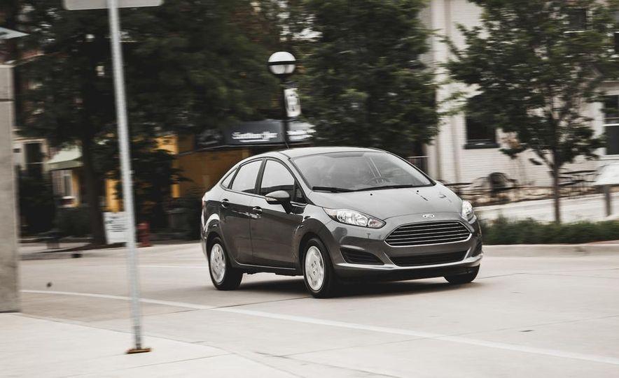 2014 Ford Fiesta 1.0L EcoBoost SFE sedan - Slide 1