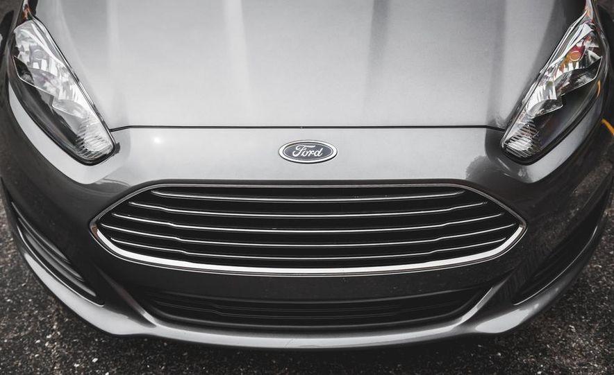 2014 Ford Fiesta 1.0L EcoBoost SFE sedan - Slide 14