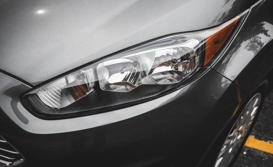 2014 Ford Fiesta 1.0L EcoBoost SFE sedan - Slide 15