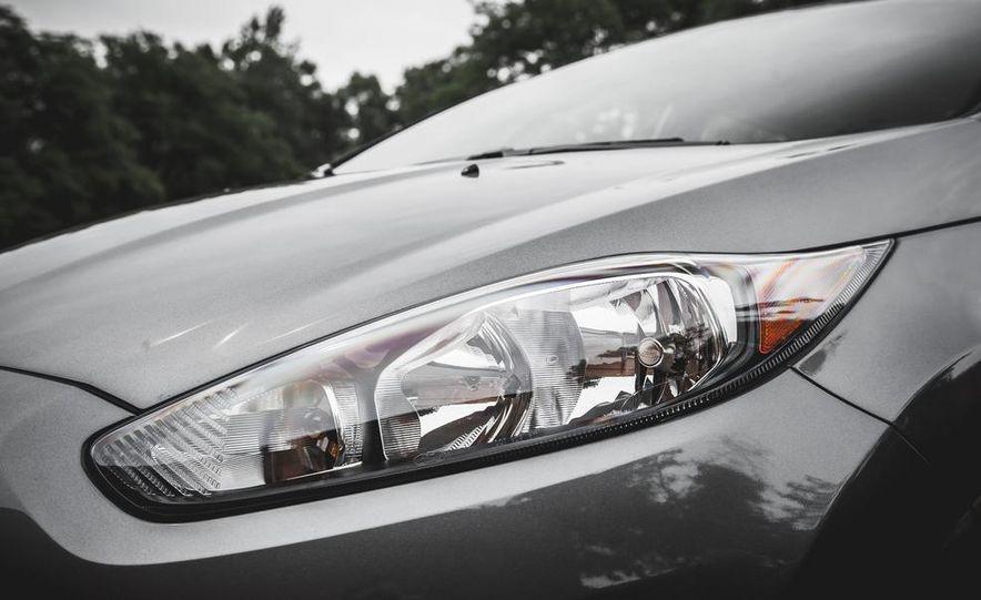 2014 Ford Fiesta 1.0L EcoBoost SFE sedan - Slide 16