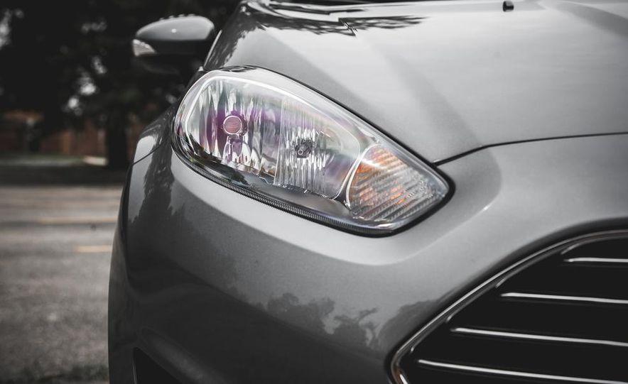 2014 Ford Fiesta 1.0L EcoBoost SFE sedan - Slide 17