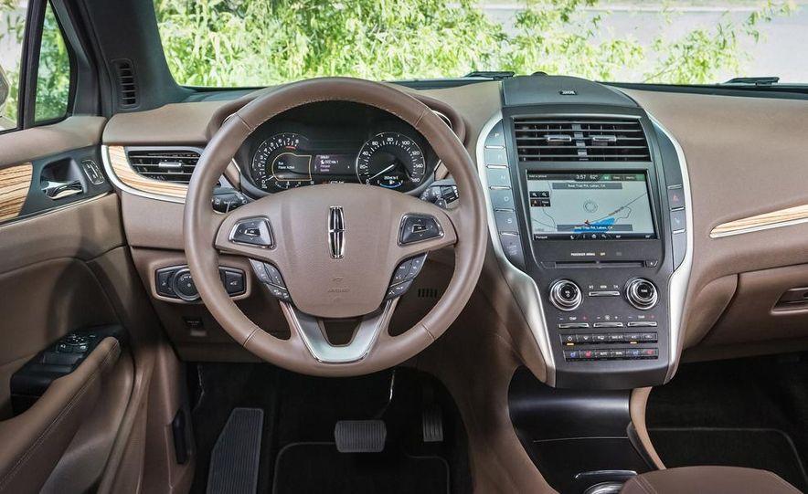 2015 Lincoln MKC 2.3L EcoBoost AWD - Slide 11
