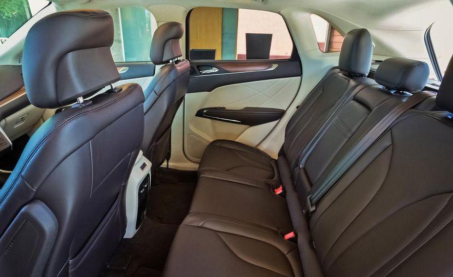 2015 Lincoln MKC 2.3L EcoBoost AWD - Slide 13