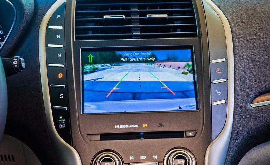 2015 Lincoln MKC 2.3L EcoBoost AWD - Slide 14