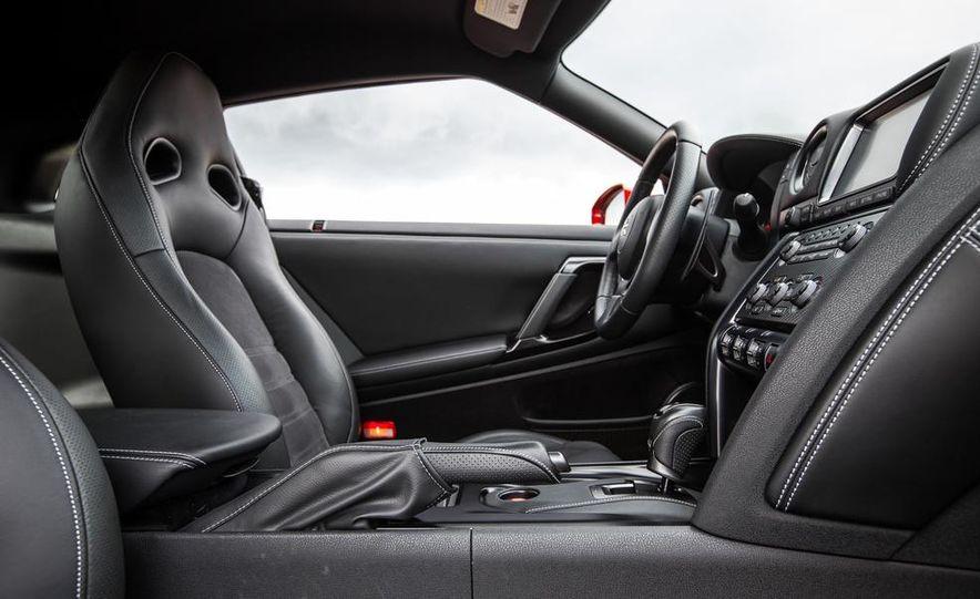 2015 Nissan GT-R - Slide 36