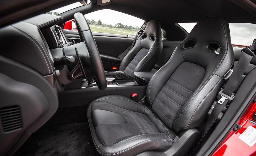 2015 Nissan GT-R - Slide 37