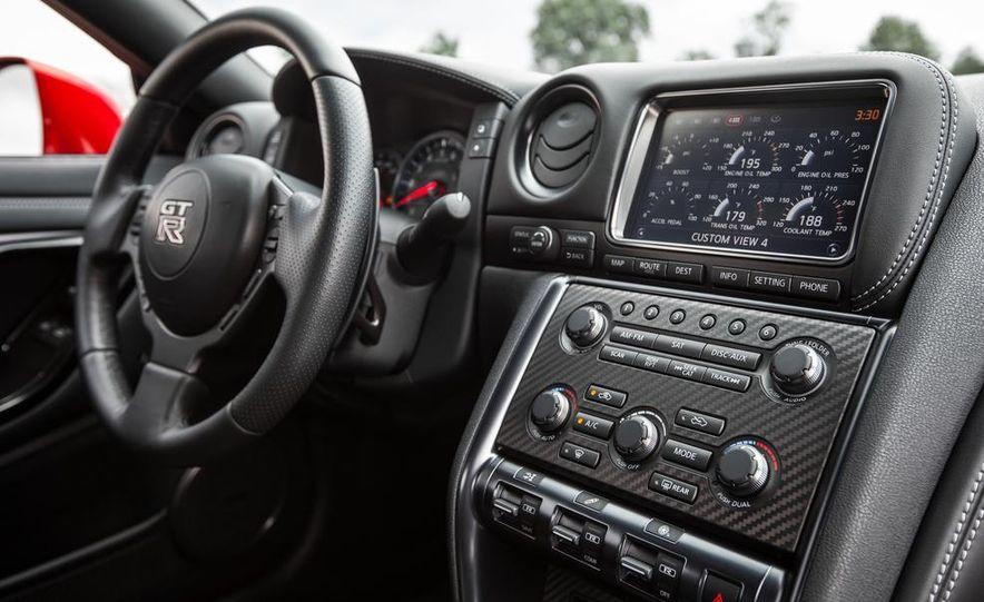 2015 Nissan GT-R - Slide 40