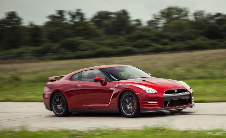 2015 Nissan GT-R - Slide 5