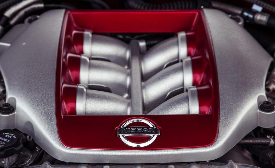2015 Nissan GT-R - Slide 54