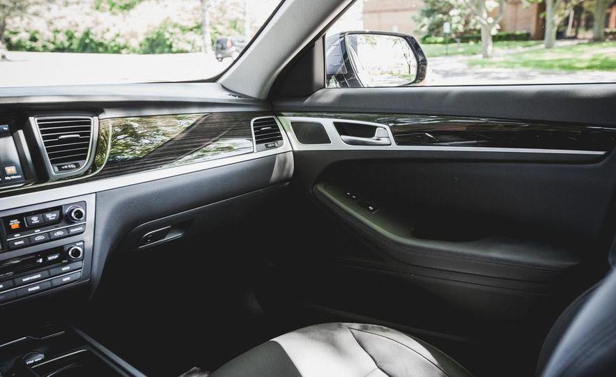 2015 Hyundai Genesis 3.8 sedan - Slide 38