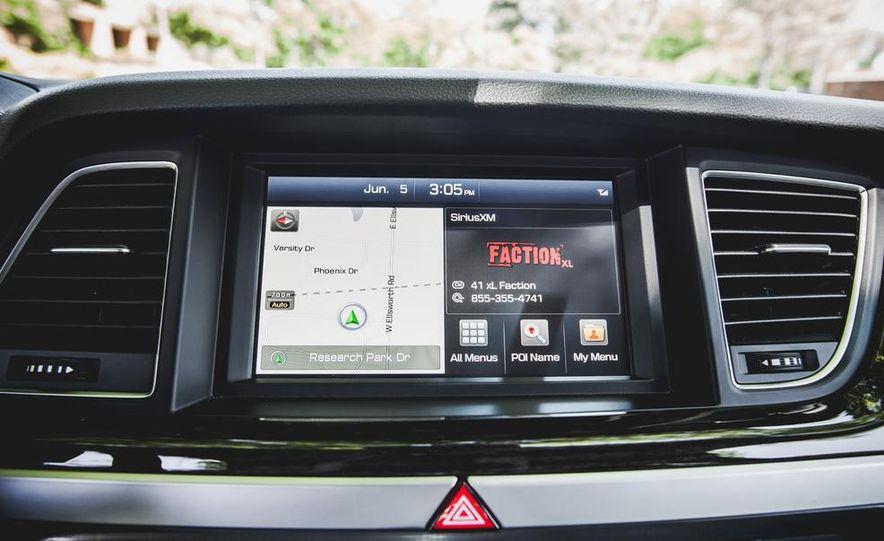 2015 Hyundai Genesis 3.8 sedan - Slide 43