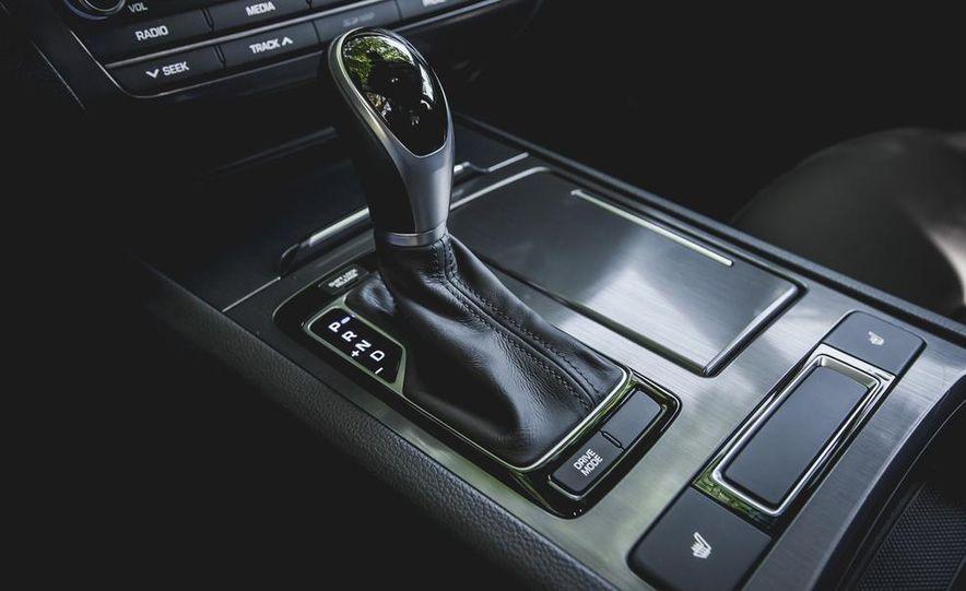2015 Hyundai Genesis 3.8 sedan - Slide 48