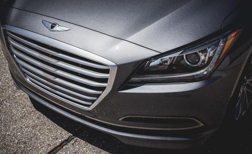 2015 Hyundai Genesis 3.8 sedan - Slide 19